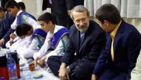 İran Meclis Başkanı Laricani, Ramazan Ayının İlk İftarını Öksüz ve Yetimlerle Yaptı