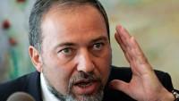 Lieberman, yaralı Filistinliyi öldüren İsrail askerini övdü