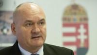 Macaristan Savunma Bakanı, istifa etti