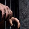 Arabistan'da maaşlarının verilmemesine itiraz eden işçiler kırbaçlanarak hapse mahkum edildi