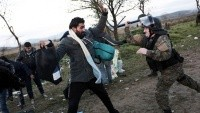 Makendonya'da sığınmacılar ve polis arasında çatışma