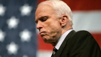 Siyonist Köpek McCain Hayal Kuruyor: İran'da Rejim Değişikliğinin Vakti Gelmiştir
