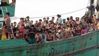 Myanmar'dan Kaçan Arakanlılara Ateş Açıldı; Tekneleri Battı