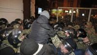 Kiev'de Polis İle Göstericiler Çatıştı