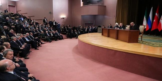 Ruhani: Terörizm İle Ortak Mücadeledeki Hedef, Suriye'ye Güvenliği Kazandırmaktır