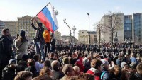 Rusya gösterilerinde onlarca protestocu tutuklandı