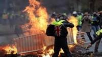 """""""Sarı Yelekliler"""" eylemi İngiltere'ye sıçradı"""