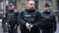 Fransa'da 75 kişiyi taşıyan otobüse silahlı saldırı!