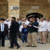 Siyonistler işgal polisi eşliğinde Mescid-i Aksa'ya baskın düzenledi