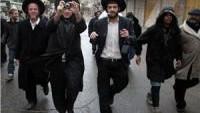 Siyonistler, Aksa'ya saldırmaya devam ediyor