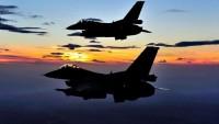 Siyonist İsrail uçakları, Suriye ordusuna ait dört askeri hedefi vurdu