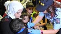 Çek polisi 200 Suriyeliyi göç treninden indirdi