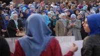 Tesettürün yasaklanmasına itiraz amacıyla Bosna'da protesto gösterileri düzenlendi