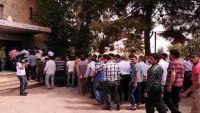 Suriye'nin Homs Kentinde 133 Kişi Daha Teslim Oldu
