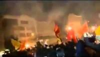 Video: İran'ın başkenti Tahran'da Halk, Siyonist Suudi rejiminin elçiliğini bastı