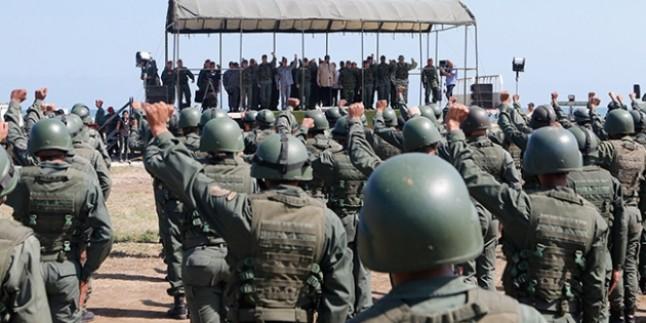 Nicolas Maduro, askerlere birlik ve disiplin içinde olmaları talimatı verdi