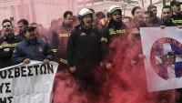 Yunan itfayeciler Reform Bakanlığını işgal etti