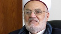 Şeyh İkrime Sabri: Siyonistlere Toprak ve Arsa Satan Haindir