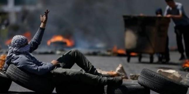 """""""Lastik Yakma Cuması"""" Eylemlerinde 8 Filistinli Şehid, 1175 Filistinli Yaralı"""