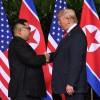 Trump ve Kim Jong-un tarihi zirvede bir araya geldi