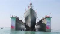 """İran yapımı devasa gemi """"İran Kaşan"""" suya indirildi"""