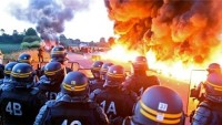 Fransa'da grev büyüyor