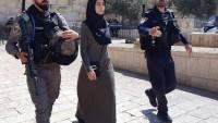 İşgal Güçleri Kudüs'te Askeri Geçiş Noktasında Bir Genç Kızı Tutukladılar