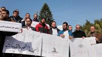 Filistinliler Trump'ın ABD Elçiliğini Kudüs'e Taşıma Kararını Protesto Etti