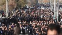 Barzani karşıtı gösterilerde 3 kişi öldü, 85 kişi yaralandı