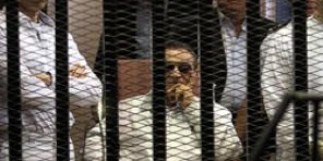 Mısır Mahkemeleri Mübarek'i Akladı…