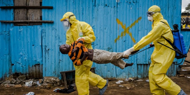 Ebola virüsü yayılmaya devam ediyor