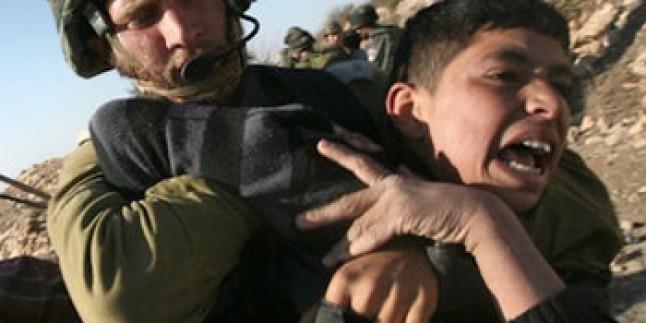 Taş Atan Filistinli Çocuklara 10 Yıl Hapis…