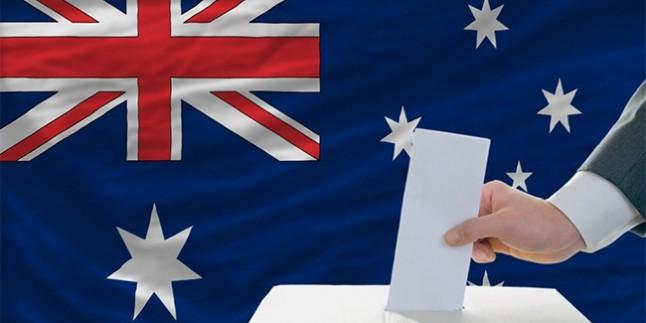 Avustralyalı Türkler iki bakan çıkardı
