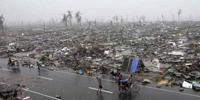 Filipinler'i Vuran Tayfun Zayıflayarak Batı Kıyılarına Doğru İlerliyor…
