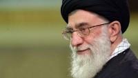 Dünya Müslümanları ve Mustazafları Rehberi Ayetullah Seyyid Ali Hamanei 14 Bin Kitap Bağışladı.