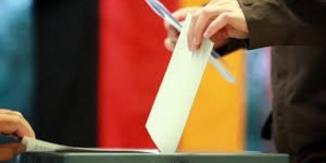 Angela Merkel yeniden genel başkan olarak seçildi
