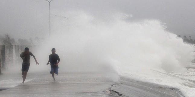 Filipinler'de tayfun etkisi devam ediyor: 21 ölü