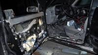 Suriye Bomba İmha Ekipleri Deyrezzor'da Bombalı Bir Aracı Etkisizleştirdi…