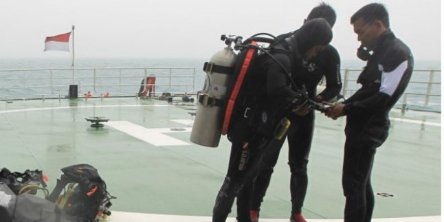AirAsia karakutusunu arama çalışmaları tekrar başlatıldı
