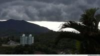 Brezilya'da Etkili Olan Fırtına Nedeniyle 800 Bin Ev Elektriksiz Kaldı…