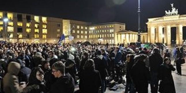 Fransa'da genelinde gösteriler yapıldı