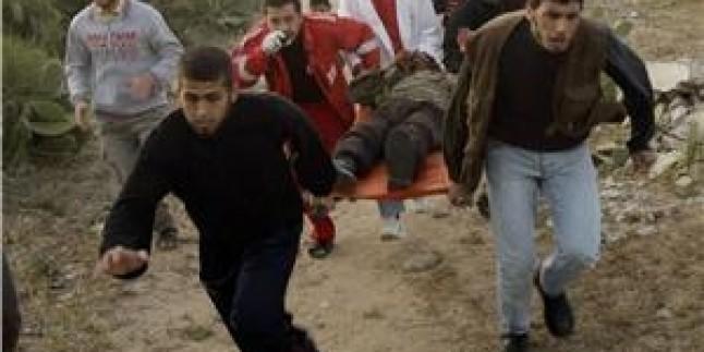 Gazze'nin Güneyinde Bir Filistinli Genç İşgalcilerin Kurşunlarıyla Yaralandı