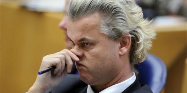 Hollandalı Irkçı Politikacı: Paris Saldırısının Sorumlusu İslam Dinidir…