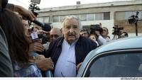 Urugay Devlet Başkanı Jose Mujica, Otostop Çeken Birini Gitmek İstediği Yere Bıraktı…