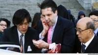 Amerikan'ın Güney Kore Büyükelçisi Devrimci Bir Korelinin Falçatalı Saldırısına Uğrayarak Yaralandı…