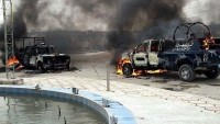 Basra'da Um Kasr Limanı yakınlarında düzenlenen bombalı saldırıda 3 kişi öldü, 4 kişi yaralandı.