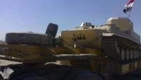 """FOTO-İran, Irak Ordusu İle Halk Direniş Komitelerine İmam Ali'nin (as) Atının Adını Taşıyan """"DÜLDÜL"""" Adlı Tam Donamlı Savaş Tanklarını Hediye Etti."""