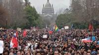 """Şili'de Hükümet 2016'dan itibaren üniversitelerin """"parasız"""" olacağını açıkladı."""