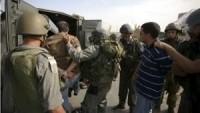 Siyonist İsrail güçleri, 10 Filistinliyi gözaltına aldı
