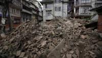 Depremin büyük hasara yol açtığı Nepal'de salgın hastalık riskinin giderek arttığına dikkat çekiliyor